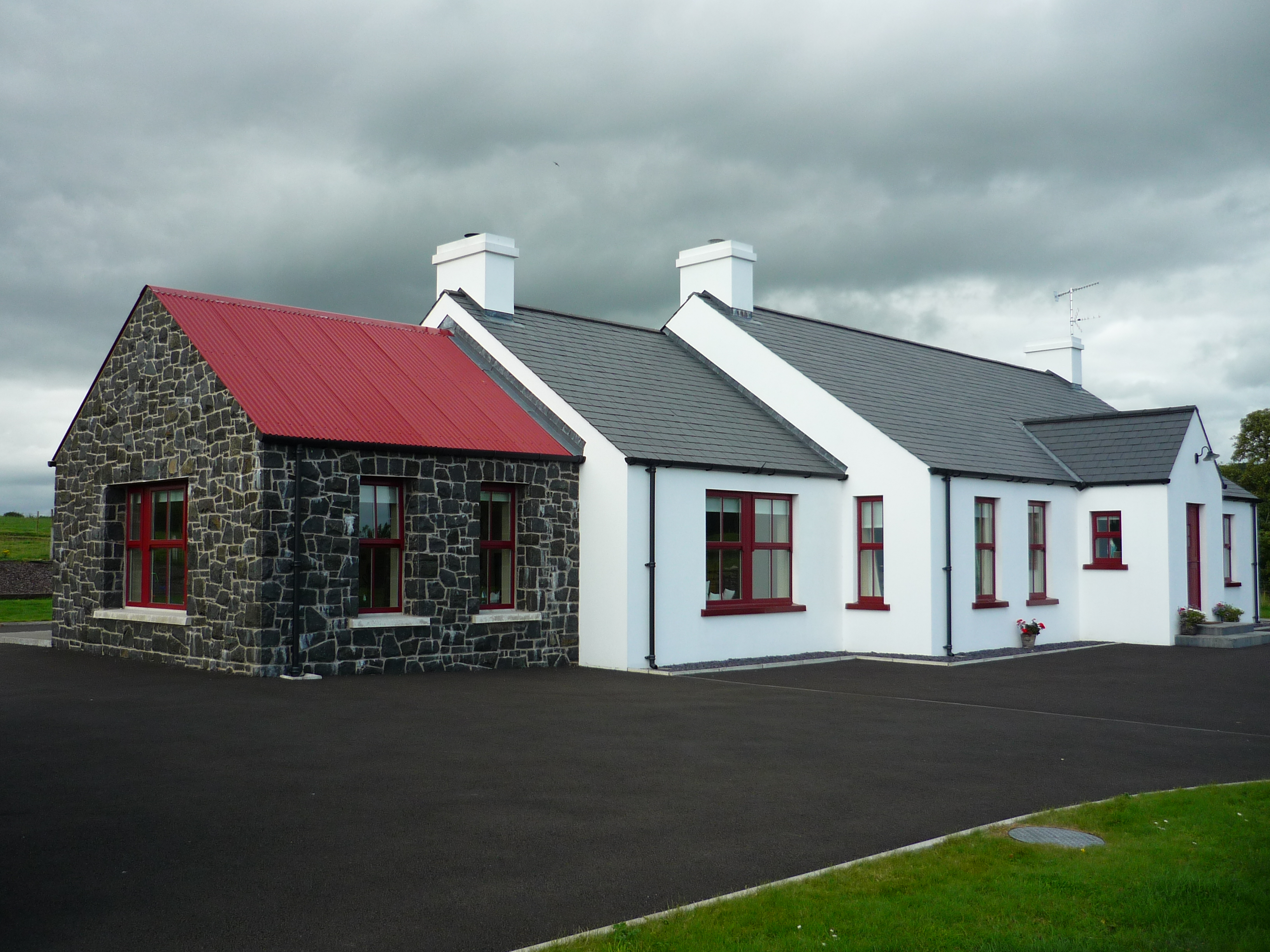 D law son black stone sunroom to house in maghera for Black stone house